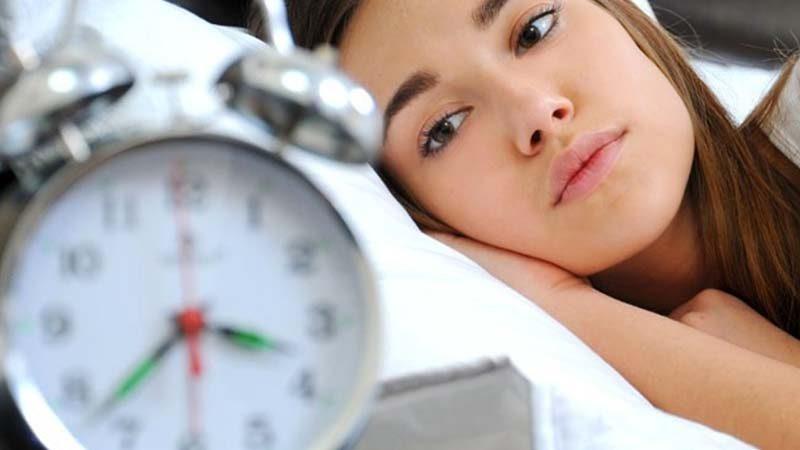 Πώς επηρεάζει τον ύπνο μας η αλλαγή ώρας