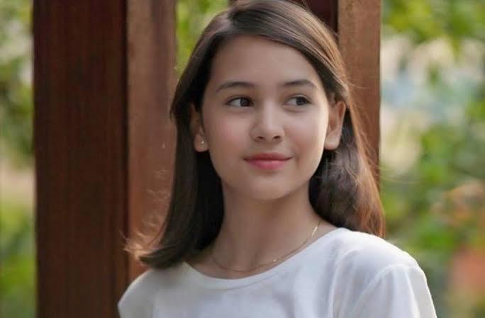 Biodata Sandrinna Michelle Biografi Profil Lengkap Karir Fakta Keluarga Agama Pacar Dan Foto Cosmogirl