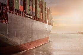 Pengiriman cargo yang profesional