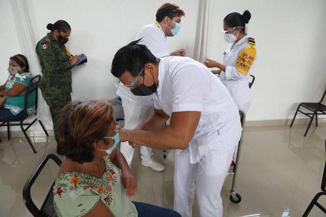Anuncian la segunda dosis para adultos mayores en Mérida