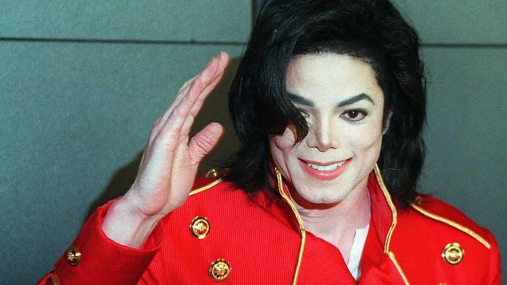 Berapa Kali Michael Jackson Operasi Plastik Seumur Hidupnya?