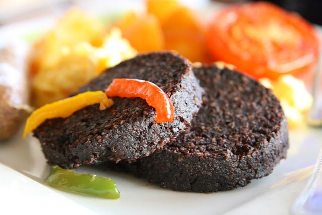 Black pudding, Anh