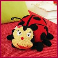 Cojín mariquita a crochet