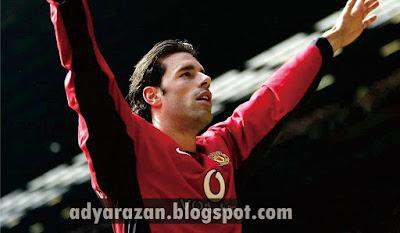 van nistelrooy salah satu striker legendaris