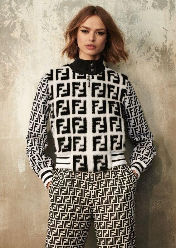 LOGOMANIA fashion