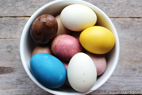 how to make natural easter egg dye with fruit, vegetables and spices
