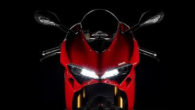 Ducati 1299 Panigale S headlight image