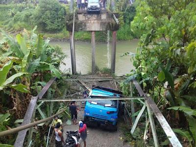 DPRD Berang! Berikut Daftar 5 Korban Jembatan Ambruk di Sikabu