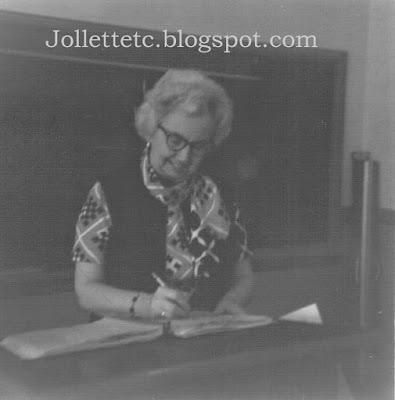 Sue Yancey March 1973 https://jollettetc.blogspot.com