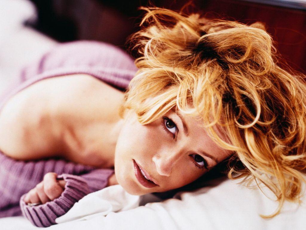 Elizabeth Shue Sexy Pics