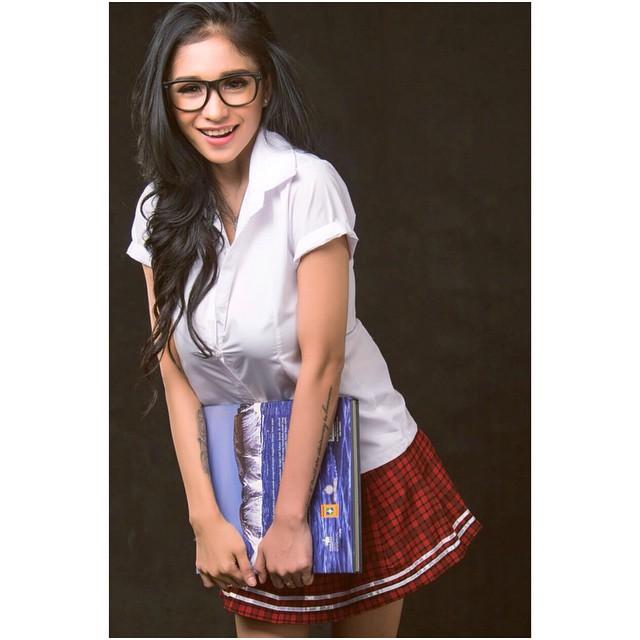 Image Result For Bibie Julius Seksi School Girl Photoshoot