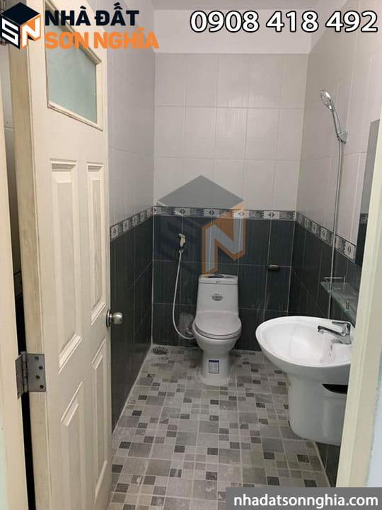 Nhà có 2 toilet