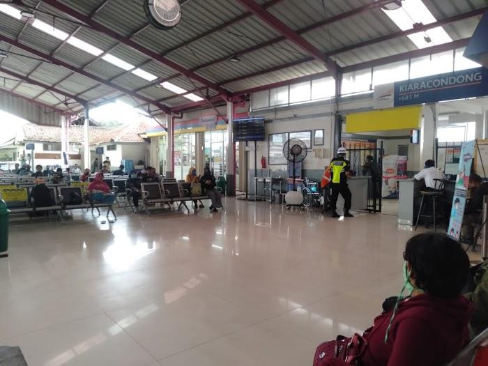 Aktifitas Perjalanan PT KAI Di Stasiun Kircon Pada Saat  Covid-19 Melanda