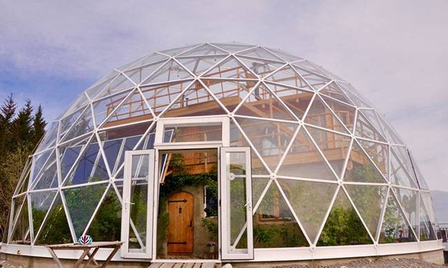 12-Hjertefølgers-Architecture with a Cob House built in a Geodesic Dome in the Arctic Circle