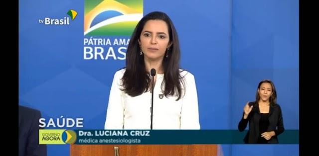 Bolsonaro recebe médicos representantes do grupo Brasil vencendo a COVID-19, composto por mais de 10 mil profissionais.