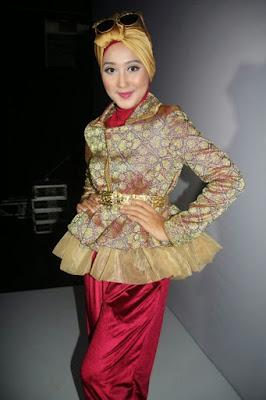 Model Baju Batik Pesta Modern Terbaru