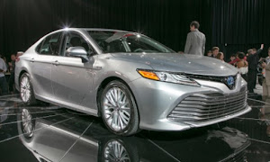 2021 Toyota Camry Photos and Info