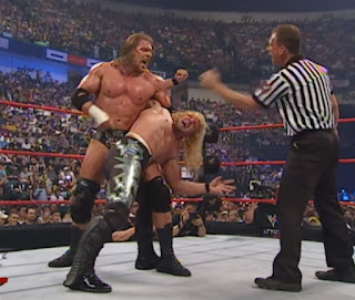 WWE / WWF - Fully Loaded 2000 -  Triple H puts Chris Jericho in abdominal stretch