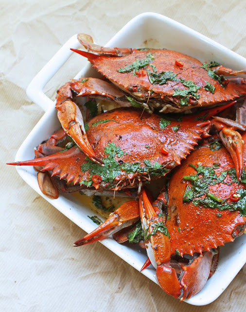 Blue crabs w chipotle lime brown butter sauce i for Three crabs fish sauce