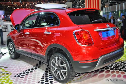 Fiat 500X Left Rear View