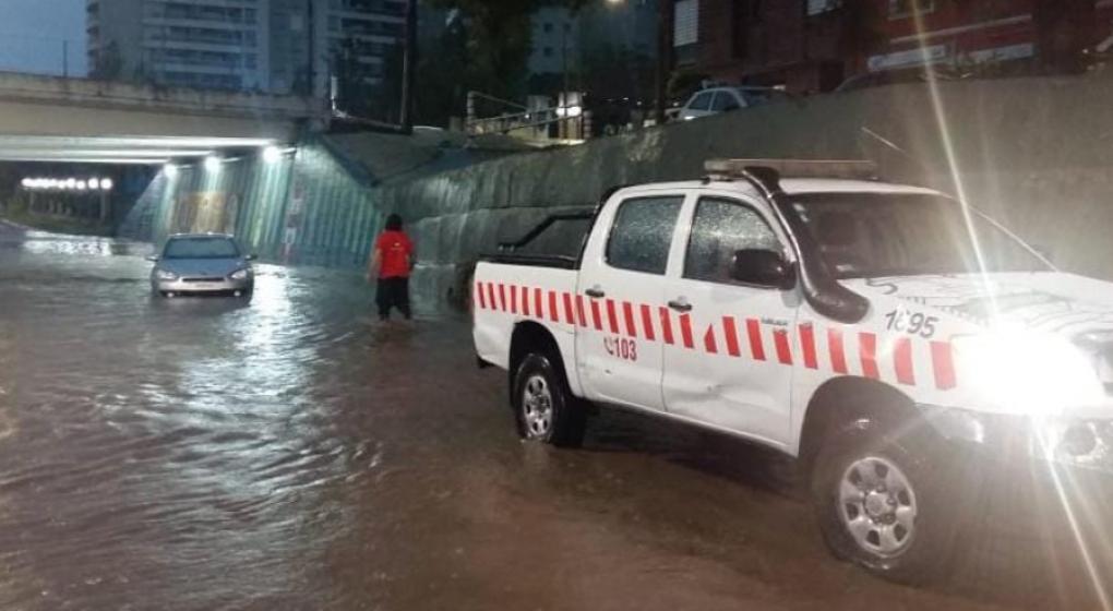 Fuerte temporal de viento y lluvia ocasionó inconvenientes en localidades de Córdoba
