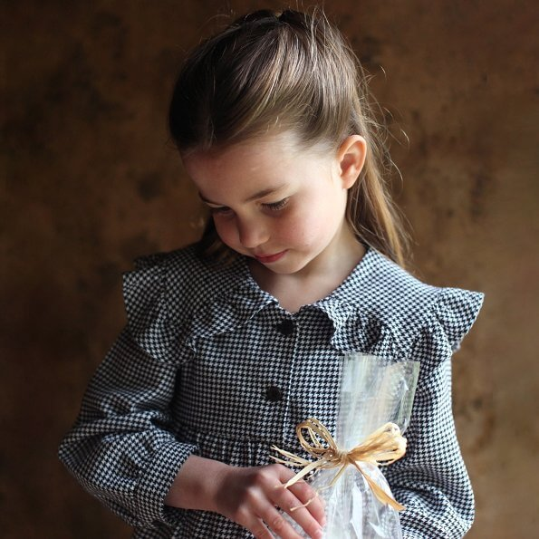 Princess Charlotte wore a houndstooth puritan collar dress by Zara. Happy birthday, Princess Charlotte. Kate Middleton