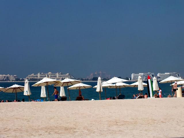 en la playa de Dubai en Noviembre