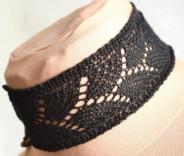 Knitted Lace Choker - Free Pattern