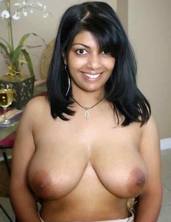 Sexy Desi Girl Big Boobs Image