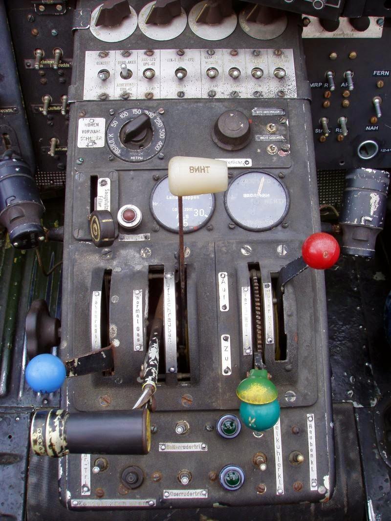 Festmenyek 3d ben 575 - Above Conventional Instrument Panel Az Antonov An 2 1947 Su Univerz Lis K Tfedel Rep L G P Hagyom Nyos M Szerfala