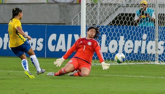 A seleção brasileira feminina de futebol começou bem a preparação para os  Jogos Olímpicos do Rio. Nesta quarta-feira b2e19924dba47