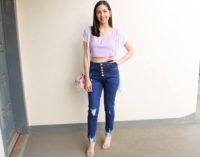 Look blusa cropped lilás + calça jeans rasgada!