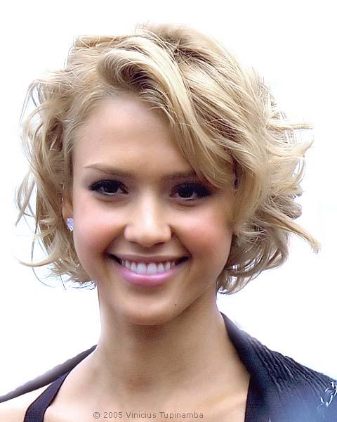 Gorgeous Short Blonde Summer Hairstyles From Jessica Alba