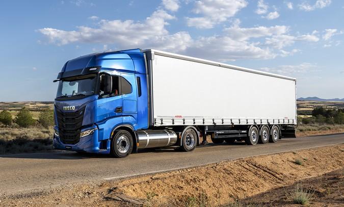IVECO S-Way NP 460 movido a gás conquista título de 'Caminhão Sustentável de 2021'