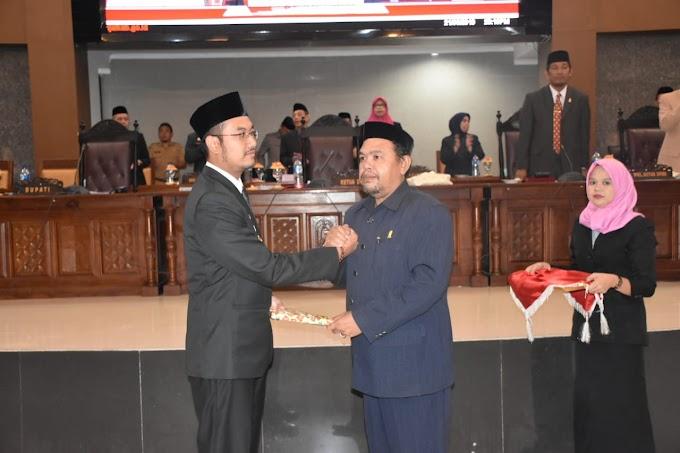 DPRD Sinjai Serahkan Rekomendasi LKPJ 2018 ke Bupati