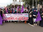 Polisi Sekat Massa Demo DPR: Kanan Buruh-Mahasiswa, Kiri FPI