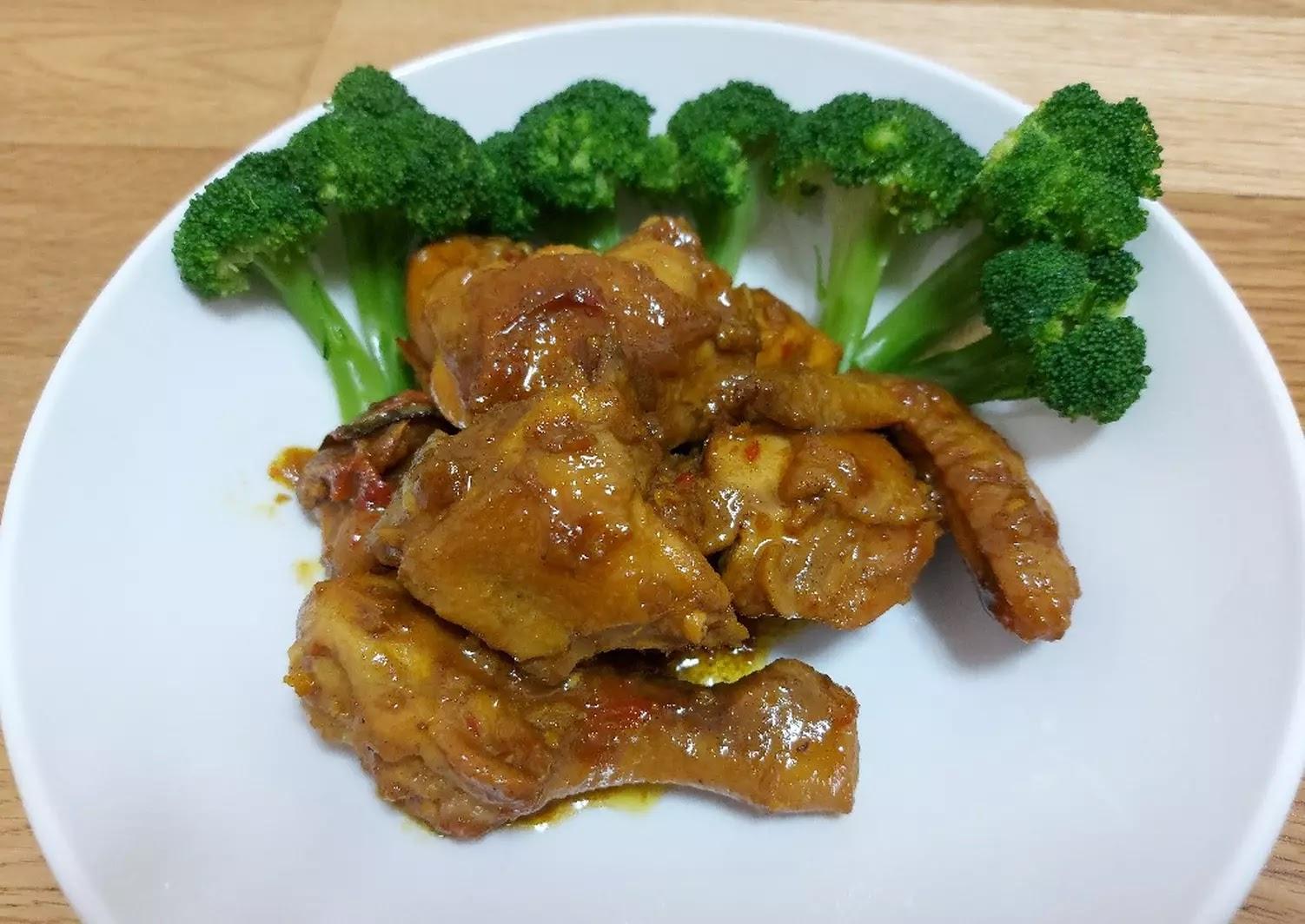 Resep Semur Ayam Kecap Paling Enak