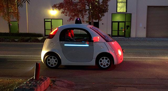 سيارة غوغل ذاتية القيادة