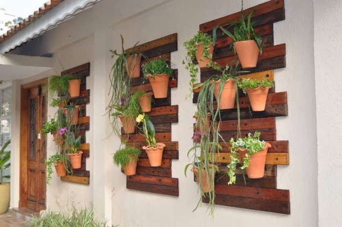 Garden Design Ideas: Vertical Garden