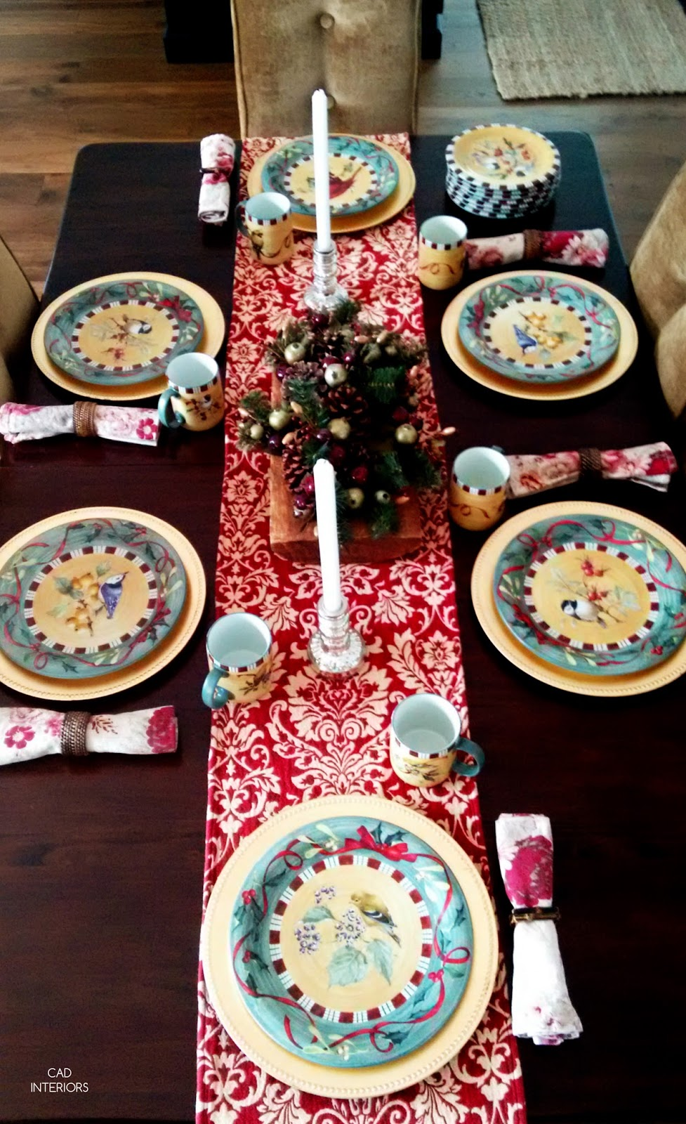 Christmas traditional classic holiday decorating Lenox holiday dishes birds country vintage tableware gold chargers