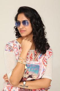 Actress Misha Ghoshal Stills from Unnodu Ka Tamil Movie  0004.jpg