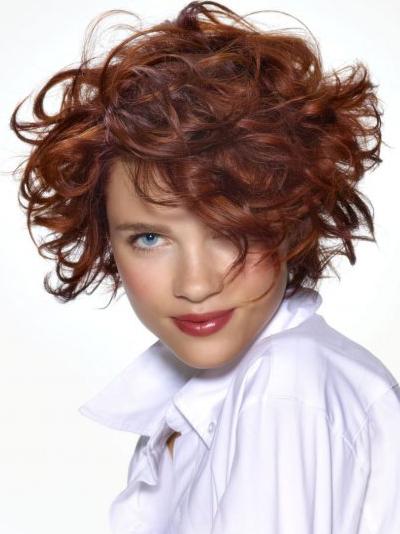 Natural wavy short layered hairstyles
