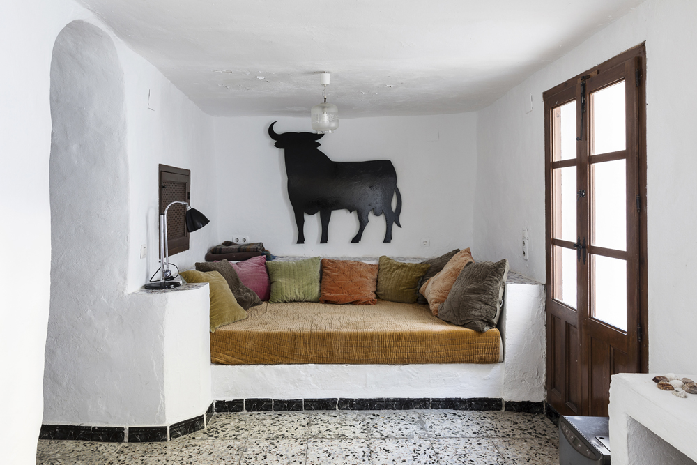 Canillas de Aceituno, Spain, holiday, rent, apartment, townhouse, rental, vacationhome, home, interior, spanish, style, interiorphotography, interior design, photographer, Frida Steiner, Visualaddict, visualaddictfrida, daybed, bed, el toro