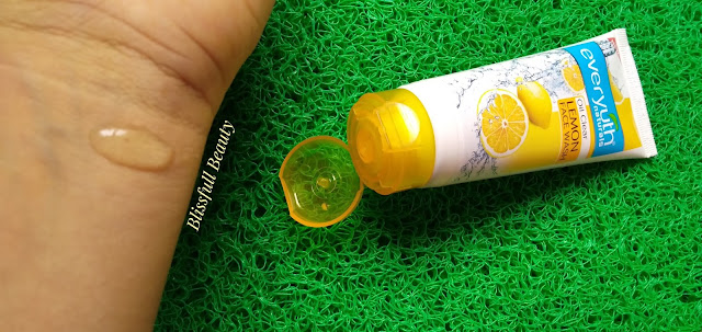 Everyuth Oil Clear Lemon Facewash Review