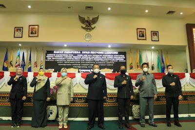 Gubernur Arinal Hadiri Rapat Paripurna DPRD Provinsi Lampung Bahas Raperda Prakarsa Pemprov Lampung