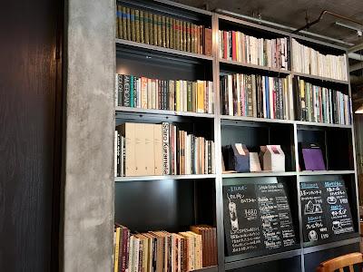 三軒茶屋にあるCafe Obscura(カフェ オブスキュラ)の店内の様子