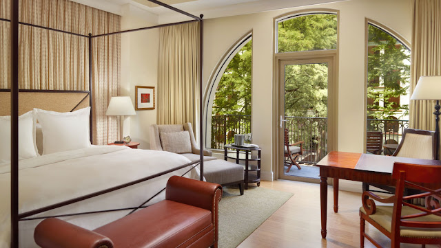 Discover luxury accommodations and ultra modern amenities at Mokara Hotel & Spa in the heart of San Antonio's popular River Walk area. Book your stay now.