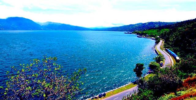 Indahnya Pesona Danau Singkarak Sumatera Barat