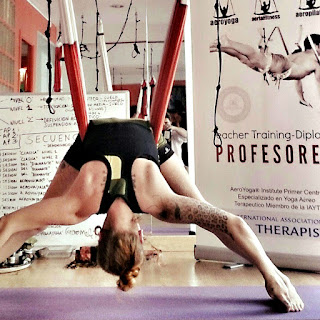 yoga aérien, formation, formation yoga, fomration yoga aerien, teacher training, stage, retraite yoga, workshop, atelier, sante, bienetre, formation professionnelle
