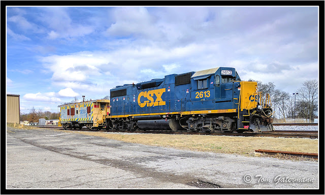 CSXT 2613 and CSXT 904026 - Main Line Subdivision - Gallatin, TN